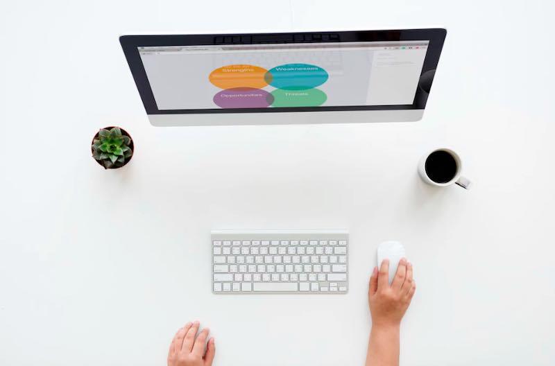 情報発信ビジネスで収入を得るための個人メディアの特徴と作り方とは?